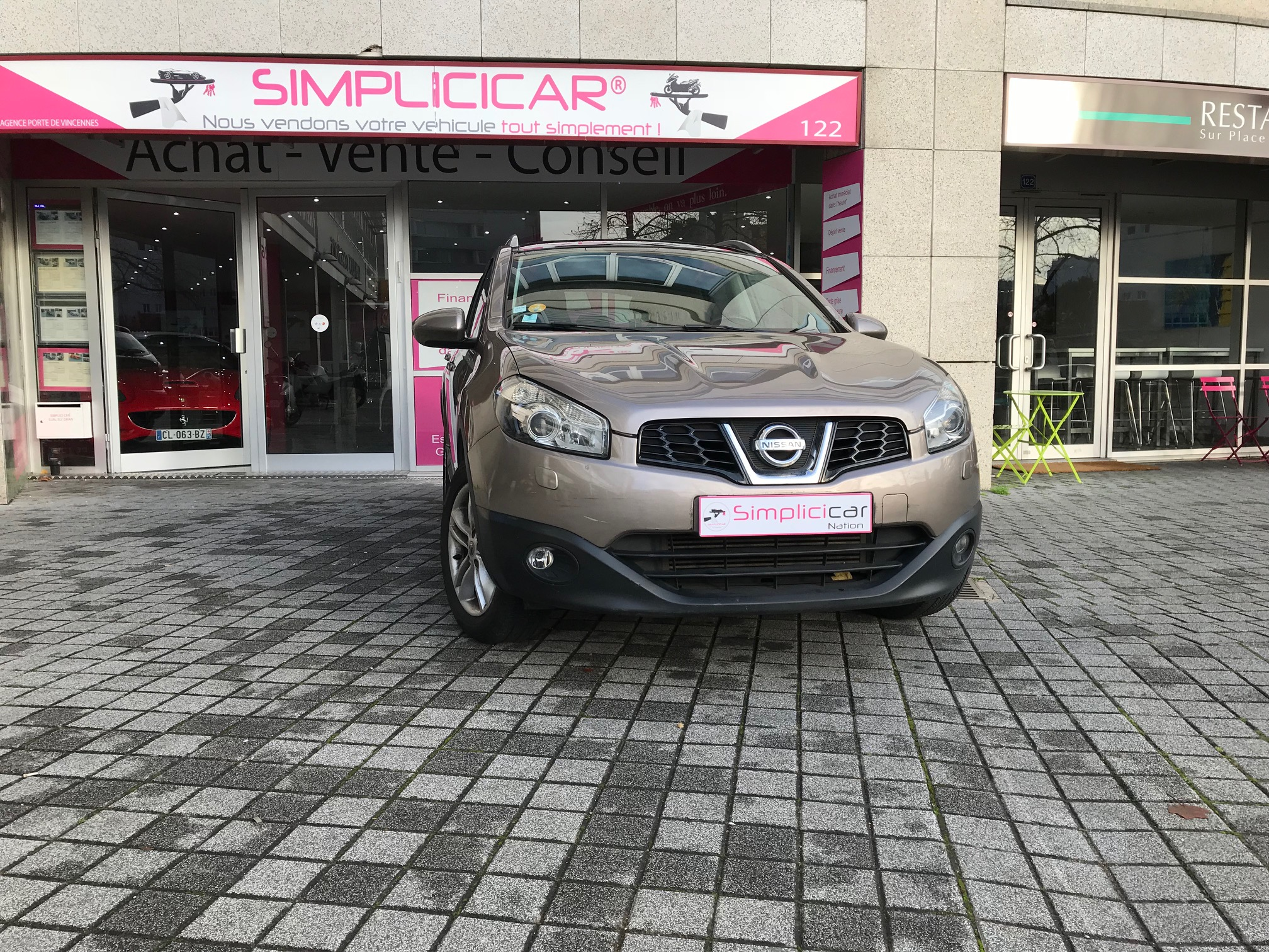voiture nissan qashqai 2 0 dci 150 fap all mode tekna a occasion diesel 2010 140000 km. Black Bedroom Furniture Sets. Home Design Ideas